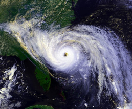 hurricane-hugo-eye.JPG 720×600 pixels.jpg